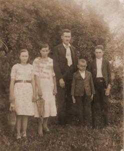 A família de Alfredo Trespach (1901-1945). Os Dressbach (Trespach) eram calvinistas quando chegaram ao Brasil.