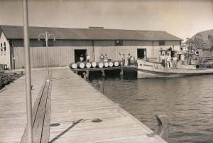 O Bento Gonçalves, no trapiche da Lacustre, na década de 1940. Foto do AHASF, Osório.