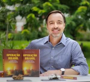 Entrevistamos Durval Pereira, autor de Operação Brasil