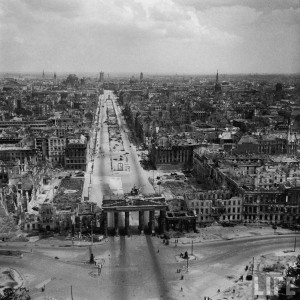 hist_us_20_ww2_pic_ger_berlin_russian_part