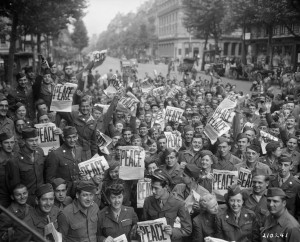 hist_us_20_ww2_pic_peace_paris