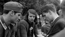 Estudantes que se mobilizaram contra o Führer a partir de junho de […]