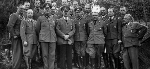 Em Personagens do Terceiro Reich ― A história dos principais nomes do […]